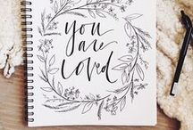 MOLLIE ♥ Handlettering / Wunderschöne Schriften versüßen gleich jede Grafik. Wir haben alle schönen Ideen rund ums Handlettering gesammelt