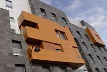 Wood finishes / Buildings made with composite panels finishes in wood imitation