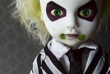 Dolls : creepy and gorgeous.