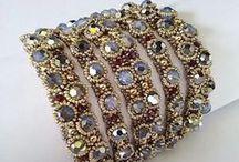 Beaded Bracelets (náramky)