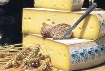 10/2015: Gruyère I Juustopöytä ry:n kuukauden juusto / Juustopöytä ry:n kuukauden juusto 10/2015: gruyère. Kuvia, videoita, tietoa ja reseptejä.