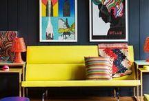Innenarchitektur Wandfarben Tipps / Mit der Wahl der richtigen Wandfarbe lässt sich der Look eines Raums entscheidend beeinflussen.  Auf dieser Pinnwand sammeln wir Tipps zu inspirierenden Farbkombinationen und besonderen Farbtönen wie Grau, Schwarz, Braun oder Pastelltönen.