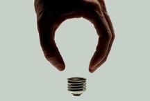 Strategien der Aufmerksamkeitserzeugung // Funktionsweisen der Werbung / Die Aufmerksamkeit des potenziellen Konsumenten zu gewinnen, ist eine der zentralen Aufgaben von Werbung. Dies kann über sehr verschiedene Wege erreicht werden. In der folgenden Mappe werden hauptsächlich Beispiele für Werbefunktionsweisen gezeigt, die mit folgenden Elementen arbeiten: Witz, Optische Täuschung, Verwirrung, Gegensätze und Provokation.