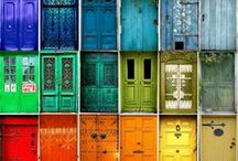 Rainbow Doors / Whilst I personally love natural timber doors, there is no denying the impact of a vividly coloured door.