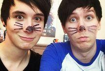 Dan and Phil >•< / >•<