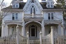 Creepy Houses / Every neighborhood has one.