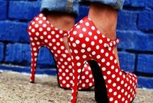 Girlie Fashion / by Omar Cobian