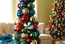 Pinos que no son árboles / No siempre un pino de Navidad tiene que ser un árbol, hay muchas maneras de preservar la tradición pero con tu estilo.
