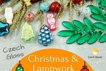 Christmas Czech Glass Beads: Free Beaded Christmas Tutorials And Patterns / Do you enjoy Christmas beading? Follow this board for new beaded Christmas patterns, tutorials etc from Czech glass beads and other beads!