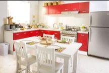 Decoración de Cocina Roja / Encuentra ideas y tips para decorar la cocina con tonos rojos y sus combinaciones. #CambiosQueMejoranTuVida