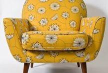 Fauteuils, canapés, coussins... / fauteuil, coussins, tissus