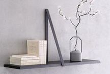 Estantes • Shelves