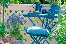 parvekkeelle / pieneen puutarhaan, parvekkeelle ja rivitalon pihalla