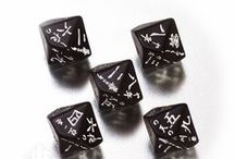 Japanese & Kanji dice / Our new dice – adorned with haiku written in Japanese alphabet is a small piece of art. This unique D10 will be a great addition to any oriental collection.