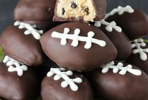 Super Bowl Food Ideas / Game Day is incomplete without some good food! Make your party awesome with these great Super Bowl Food Ideas!