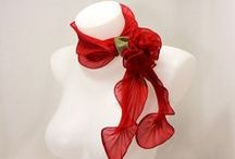 Scarves, capes and stoles: wear creative! / Wear a beautiful scarf: an act of love and care towards yourself!