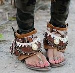 Shoes / Shoes, boots, sandals and all kinds of footwear for the independently stylish woman.