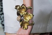 Fashion Jewelry / Haute and costume jewelry created specifically for high fashion
