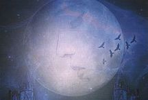 The Moon - Tarot Cards / Different versions of the Moon selected by tarotparlor.com