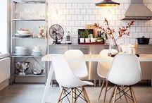 Dining room / .