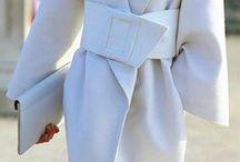 Looks - WHITE