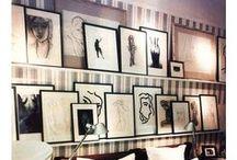 Tavlor. Frames. Paintings. / Tavelväggar kan vara olika och mycket fina
