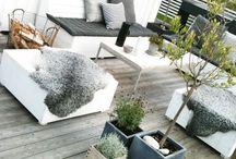 TUIN / Tuinen, hout, groen, tegels, bloemen, kruiden, relaxt