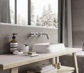 TUULA by Wiktoria Lenart / TUULA to jedna z czterech kolekcji stworzonych dzięki współpracy Ceramiki Pilch ze Studiem Lenart. Designerska linia inspirowana jest ponadczasowymi wzorami i technikami wykorzystywanymi w sztuce, a cechuje ją elegancja, staranna estetyka i minimalizm.