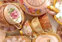 Mugs & Cups / It' always tea time!