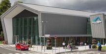 Ireland: Foyle Arena with VMZINC / Foyle Arena (North West Regional Sports Campus) Northern Ireland (UK) by Samuel Stevenson & Sons, Belfast  Technique: VMZ Standing seam, Aspects: QUARTZ-ZINC® / QUARTZ-ZINC® PLUS  #Zinc #VMZINC #Façade #Campus #UK #Ireland #Architecture #Project