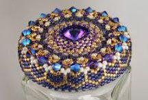 Zdjęcia biżuterii / zawiera wpadającą w moje oko ładną biżuterię
