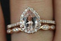 Boho Engagement Rings / Boho engagement ring inspiration ideas.
