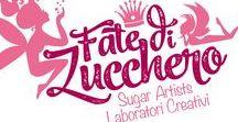 Fate di Zucchero - Cake Designers / Creazioni in pasta di zucchero, interamente realizzate a mano e personalizzate: sugar kit, torte di marshmallow, cake topper, segnaposto, bomboniere, biscotti e confetti decorati