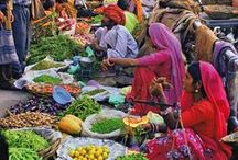 """Street Markets / """"Know your food, know your farmers, and know your kitchen"""". Joel Salatin"""