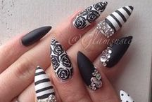 MANICURE AND PEDICURE / Make up manicure and pedicure . Ekenepatience@yahoo.com