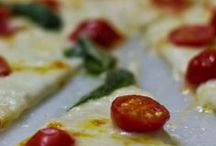 Tecniques in the art of making pizza / The creations made by our Pizza Chef Program students in the pizza laboratory