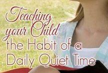 Stille tijd / Bijbel lezen, mediteren en gebed, persoonlijk en met de kinderen.  Zie ook de borden Bijbels opvoeden, geloofsopvoeding en Elke dag nieuw