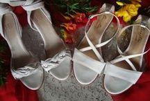 NOVIAS / ✮Vestido by Fini Reynal a estrenar ✮ Zapatos blancos taco alto y bajo ✮ Accesorios by Sandra Galarza a estrenar