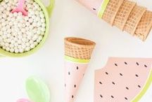 DIY Eis-Party Ideen / Ideen für eine Eisparty. Eisparty in pastell oder kunterbunt. Mit Eiswagen zum Ausdrucken, Spiele, Basteln und Essen - alles rund um Eiscreme. Eis basteln / Eis Dekoration / Spruch lustig, Eis malen,