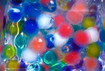 Fotos de colores esféricos / COLORES:   Átomos,   esferas blandas,   estructuras moleculares,   esferas dentro de esferas (como ojos que observan al observador),   esferas de colores.....colores llenos de vida.   formas esféricas, blandas, translucidas, incipientes o perfectas.   Amalgama de Colores... La VIDA es en Color, y el Color enriquece la VIDA. Colores llenos de VIDA   ¿JUGAMOS.....?