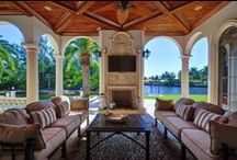 Waterfront Homes / Waterfront homes in Royal Palm Yacht & Country Club