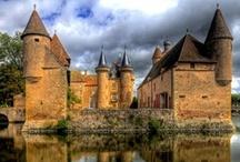 Bourgogne - Burgundy / Tourisme rural en Bourgogne : Côte d'Or, Saône et Loire, Nièvre, Yonne... Discovering Burgundy.
