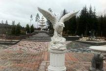 Pihapatsaat / Betoniset, graniittiset ja kevyet patsaat pihallesi.