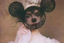 """"""" La mode se démode, le style jamais. """" (Coco Chanel)"""