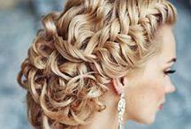 Bridal hair inspiration / http://www.totalwedding.nl/damesaccessoires/haaraccessoires/
