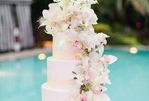 Wedding cakes / http://www.totalwedding.nl/extra-diensten/bruidstaarten/