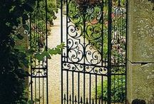 Garden, plants and flowers  Tuinen, platen en bloemen. Moestuin / Love gardens and plants, and would like to grow my own vegetables en herbs.