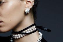Jewels/Bijoux & Accessories
