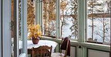 """Wohnen: Im Wintergarten / Spielt das Wetter einmal nicht mit, ist der Wintergarten unser liebster Rückzugsort. Hier finden Sie schöne Einrichtungsideen, Accessoires und Dekorationen des """"Zimmers im Garten""""."""