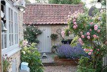 GARTEN: Cottage Style / Die schönsten Pflanzen, Gestaltungen, Ideen und Deko für den Landhausgarten, Bauerngarten oder Cottage-Garten
